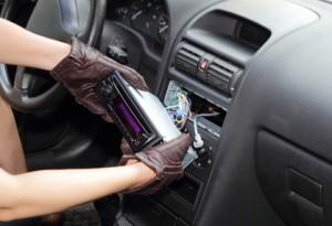 So bauen Sie Ihr Autoradio richtig ein
