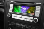 Welche Funktionen bietet ein Autoradio neben dem Musik hören?